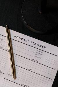 Clubhouse VS Podcast: Quali scenari per il marketing
