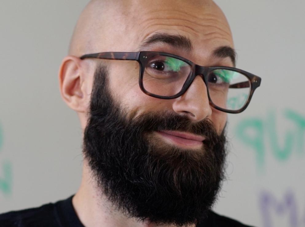 Intervista a Raffaele Gaito sul rapporto pazienza e social media management